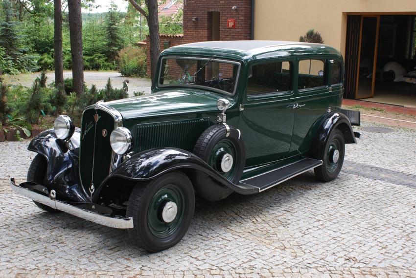 Włosi mieli bardzo dobrą rękę projektując nadwozie tej limuzyny, do dzisiaj zachwyca.