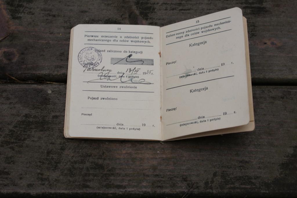 Jak widać na pieczątce, samochód został odnotowany w księgach 2 Baonu Czołgów i Samochodów Pancernych w Tarnobrzegu