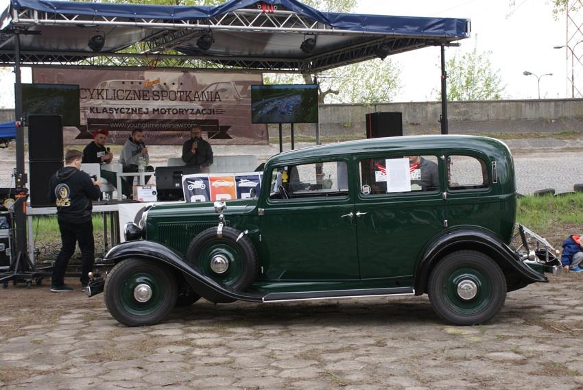 Zaprezentowałem też Polskiego Fiata 518 na estradzie, zrobił spore wrażenie ze względu że był jedynym nieyoungtaimerem, a tak właściwie to w jakiej klasie go umieścić ? Weteran?