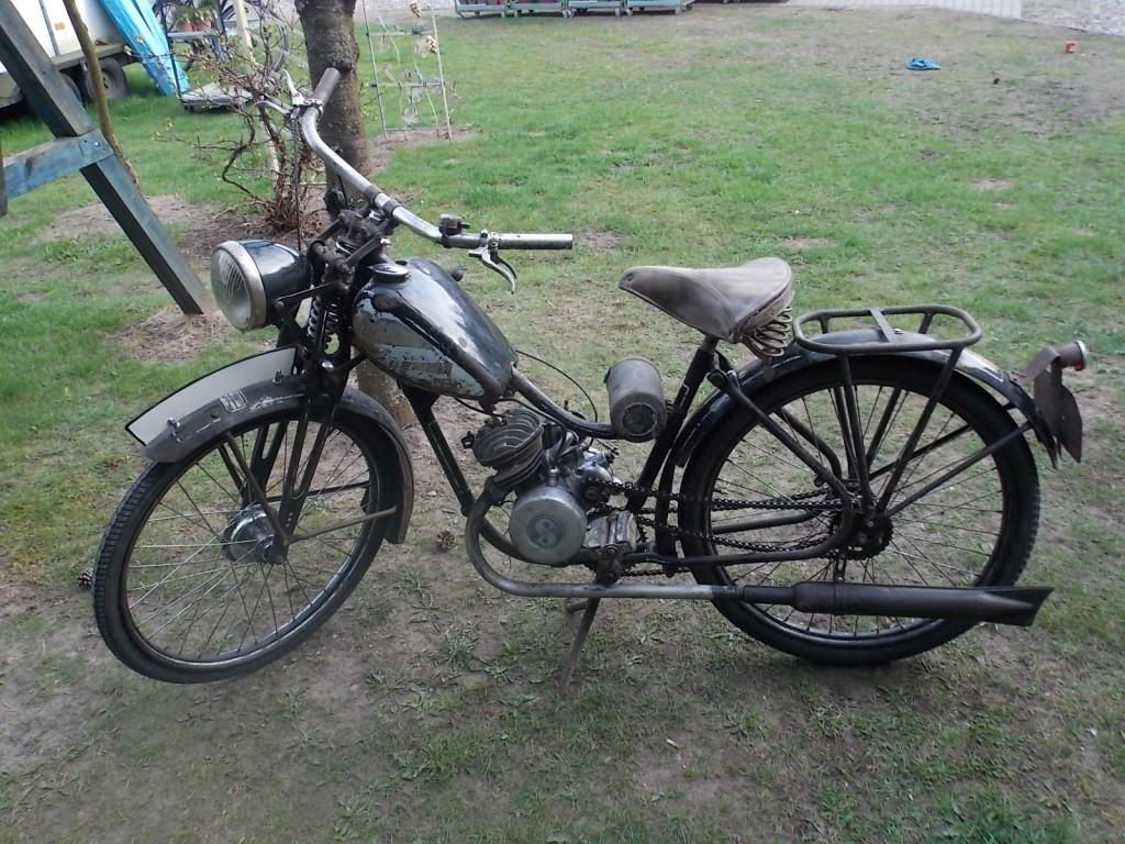 Motocykl wyposażony w brakujące elementy osprzętu