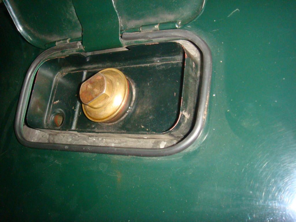 Korek wlewu paliwa, czy jest tu gdzieś korozja?